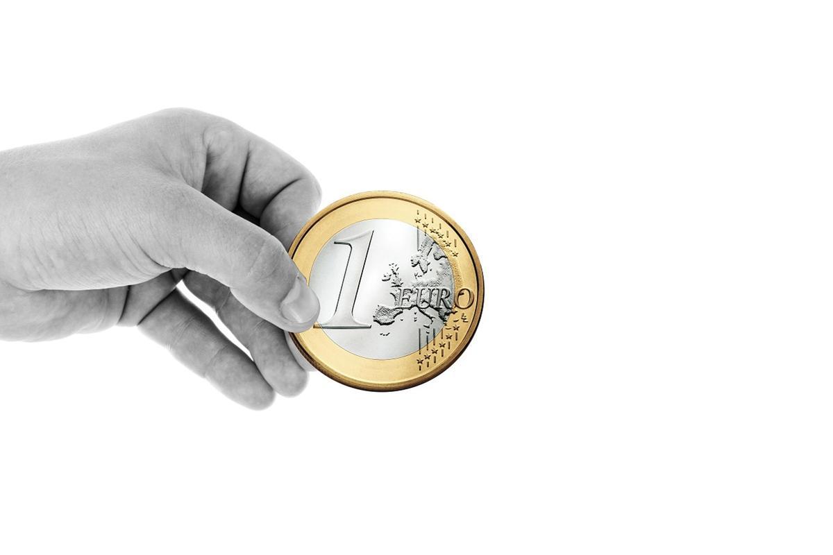 Gdzie można sprawdzić kursy walut online?